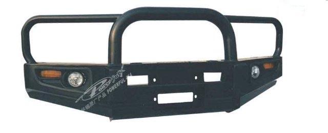 Powerful передний силовой бампер c центральной дугой и защитой фар на Toyota Hilux VII (2006-2014)