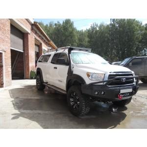 Силовой бампер с защитой фар на Toyota Tundra
