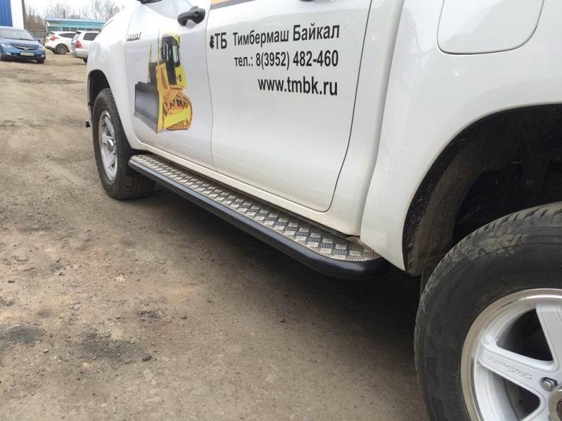 Сафари 4х4 силовые пороги на Toyota Hilux 2 поколения