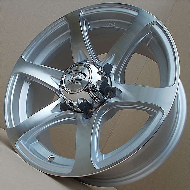 Sakura Wheels 693